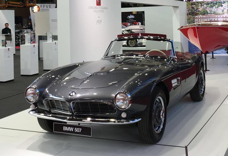 BMW 507 – Luxo, esportividade, linhas esguias num carro exclusivo muito bonito.